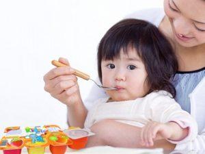 Làm sao giúp trẻ tăng cân đều?